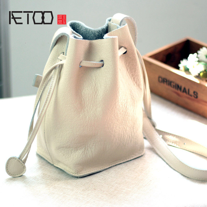 AETOO Women's bag 2017 new first layer of leather Korean version of the belt with leather buckle leather simple fashion package new korean version of the first layer of leather pillow bag large lychee pattern handbag shoulder messenger fashion leather leat