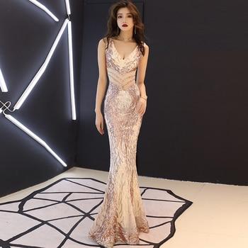8f677ed413f6 Vestido de noche muy largo 2018 nueva llegada elegante Halter sin espalda  sirena encaje Formal vestido de fiesta vestido Da Sera EP07188DG