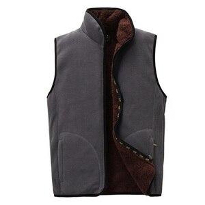 Image 2 - 2018 ใหม่ผู้ชาย Warm Fleece Vest ฤดูหนาวหนา 2 ด้านสวมใส่สบายๆเสื้อกั๊ก Windproof เสื้อแขนกุด