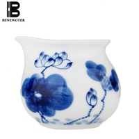 200ml Jingdezhen Vintage Lotus Painted Blue and White Porcelain Fair Cup Tea Cup Puer Coffee Water Cylinder Milk Cup Drinkware