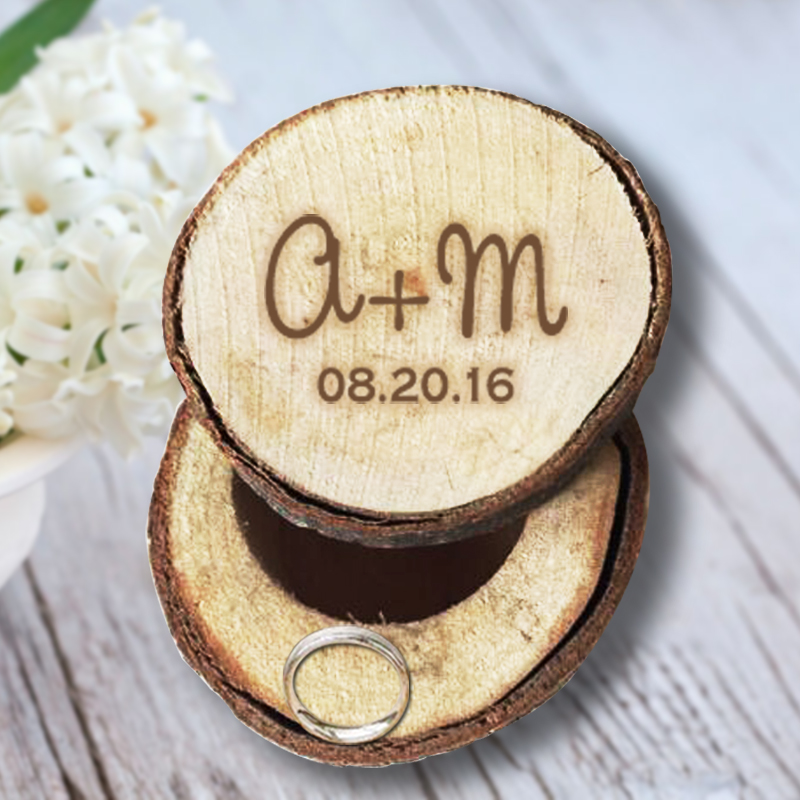 Custom Our Name and Date Engrave Wood Wedding Ring Box Personalized Gift Fancy Jewelry Ring Box Fashion Design for Anniversary