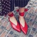 Мягкая Кожа Острым Носом Женщин Кольцо Обувь v-образный Низкий Каблук Мода Уличной Обуви Горячей Дизайнер Обуви
