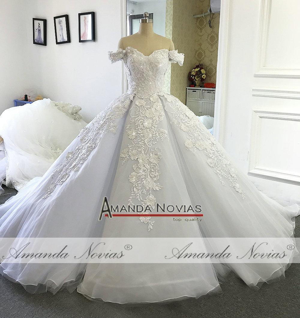 Amanda Novias Luxury wedding dress 2019 Off The Shoulder Straps Bridal Dress Dubai