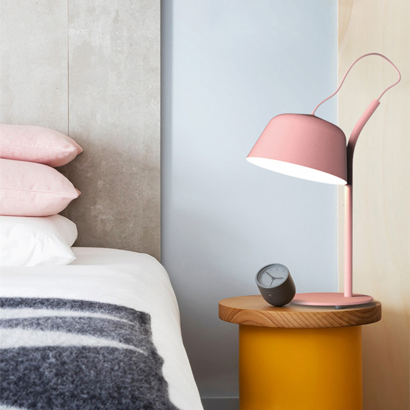 Nordic Personality Multicolor Macaron Table Lamp Creative Art Lovely Living Room Table Lights Designer Study Bar Hotel Bed Light