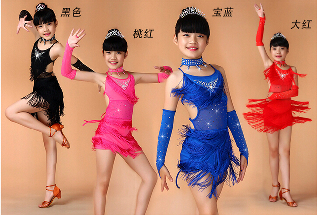 Бесплатная доставка блесток бахромой Синий Розовый черный, красный Salsa платье ребенок Обувь для девочек Дети Костюмы для латиноамериканских танцев Платья для женщин Обувь для девочек Костюмы для латиноамериканских танцев танцевальные костюмы