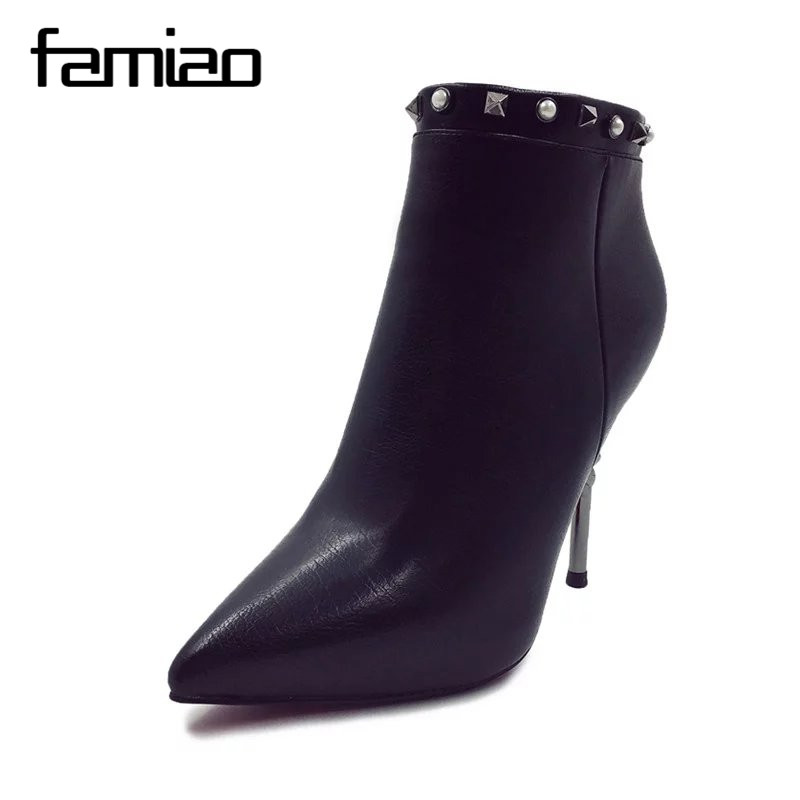 FAMIAO Black Ankle Boots Women High Heels Pointed Toe Sexy Snow Boots Woman Shoes Rivets Winter Women Boots 2017 Botas Mujer black ankle boots women high heels pointed toe sexy snow boots woman shoes rivets winter women boots with fur botas mujer b 0197