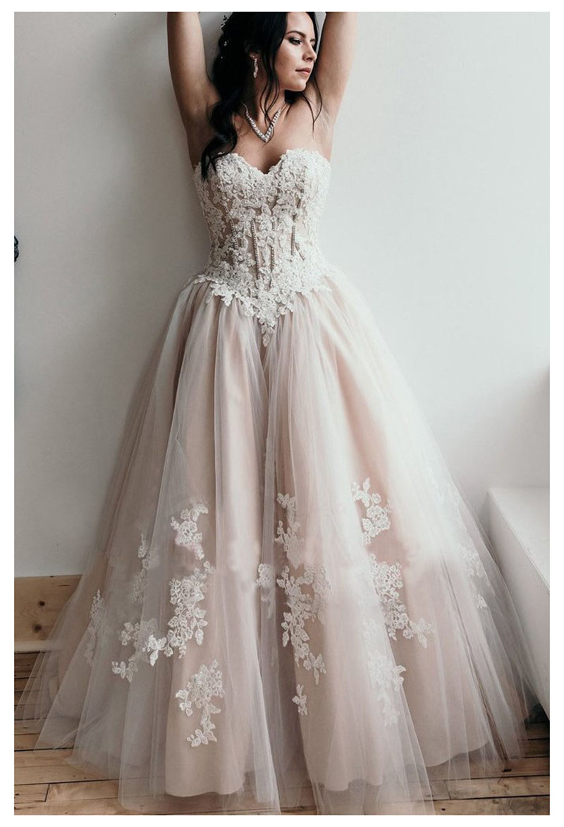 Boho Beach Wedding Dresses Sweetheart Appliques A Line Strapless Princess Lace Up Back Bride Dress Wedding