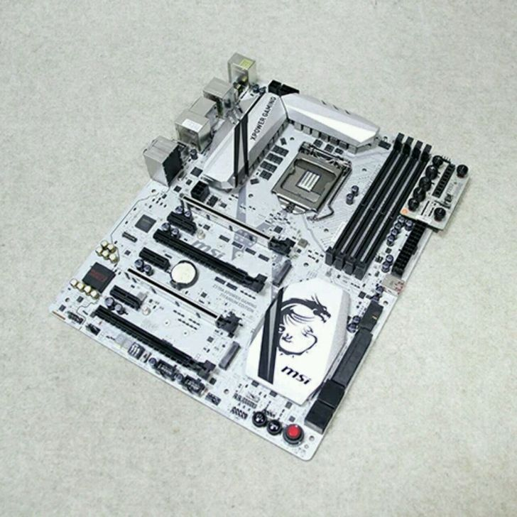 Z170A XPOWER GAMING TITANIUM EDITION game board