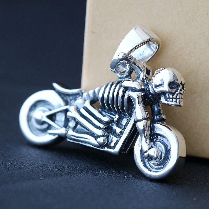 Ecoworld Ge jewelry wholesale 925 Sterling Silver Pendant retro skeleton Mens Silver Pendant Pendant Silver ChariotEcoworld Ge jewelry wholesale 925 Sterling Silver Pendant retro skeleton Mens Silver Pendant Pendant Silver Chariot