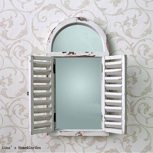 Parete finestra otturatore di legno ad arco shabby chic bianco specchio in parete finestra - Parete shabby chic ...