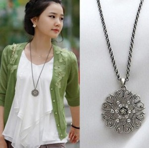 Xl096 Hot Fashion Bohemian Style Hollow Flower Crystal Pendant Necklace Sweater Chain Long Necklace Women Jewelry Bijoux