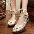 Старинные Вышивки Женщин Насосы Случайные Холст Crane 5 см Пятки Клинья Зашнуровать Ботинки Дамы Цветочные Zapatos Mujer Размер 34-41