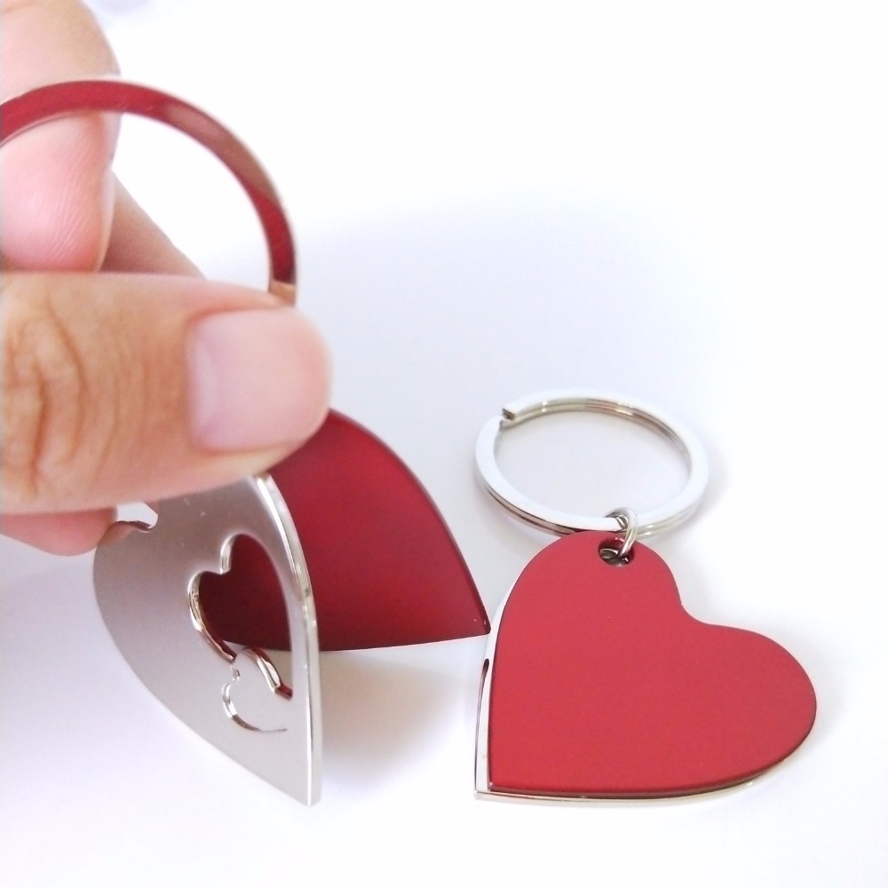 100Pcs Personalized Wedding Gift For Guests Souvenirs Heart Keychain Wedding Favor With Box Engagement Party Gifts With Logo in Party Favors from Home Garden