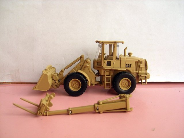 N-55250 1:50 CAT MILITARY 924H  Versalink Wheel Loader toy