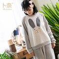 Grlbobra 2017 nueva costura franela pijamas de las señoras orejas de conejo lindo pijamas mujeres ropa de dormir de invierno espesar caliente pyjamas0035