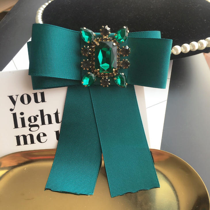 New Woman Brooches Pins Big Green Ribbon Bowknot Shiny Rhinestone Corsage Bow Tie Brooch Fashion Jewelry Shirt Accessories
