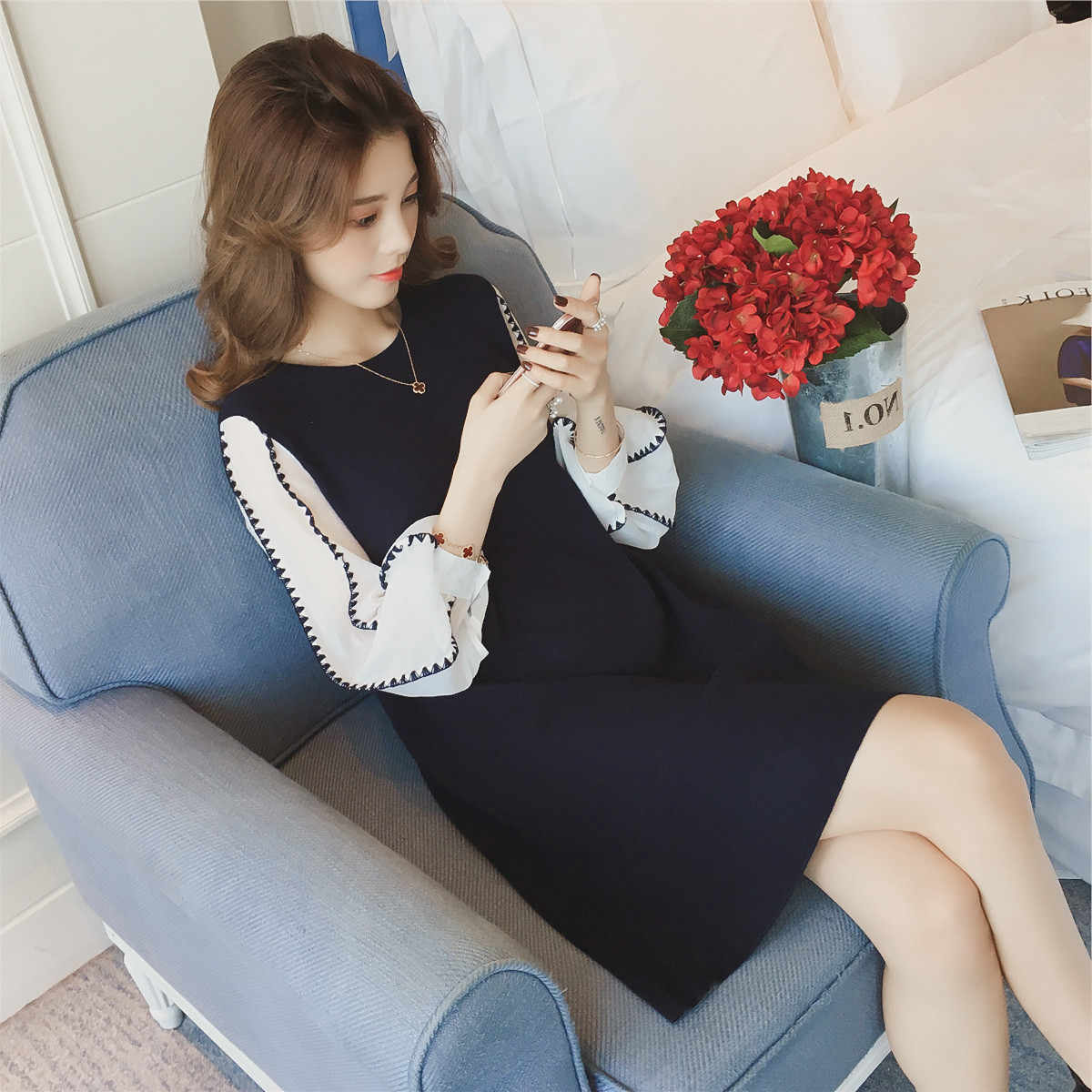 2020 Korean style white long lantern sleeve patchwork blue maternity autumn knitted dress pregnant women shirts pregnancy blouse