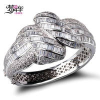 2014 Latest Design Woman Higher Quality Bangles Clear White Zirconia Crystal Bangle Lead Free Platinum Plated