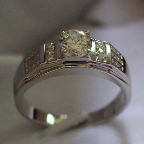 Authentic 18K 750 White Gold Men Ring 0 8Ct Diamond Engagement