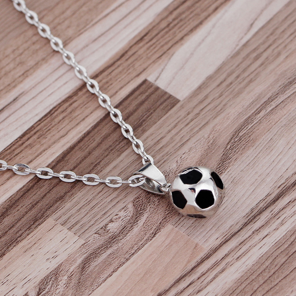 2018 World Soccer Stainless Steel Pendant Souvenir Necklace Man Woman Fans Gift Football Supplies