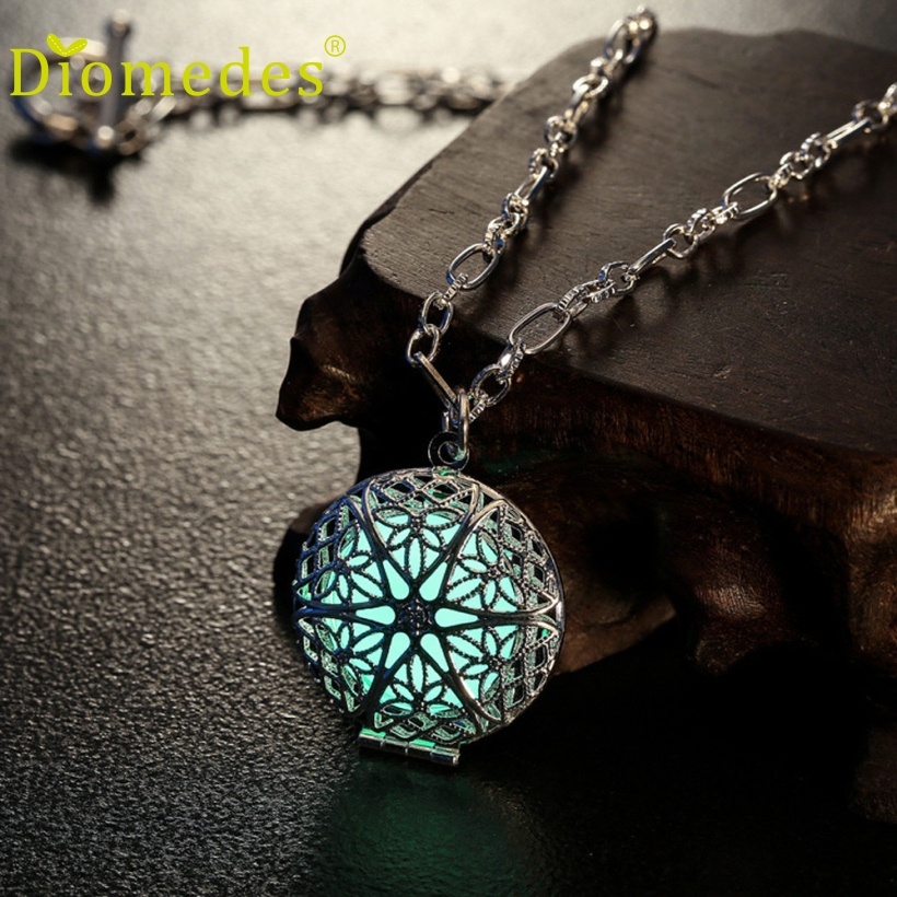 Diomedes Hot Sales Pendant Necklace Women Charm Locket Luminous Wicca Goth Chain Fashion Jewelry Necklace