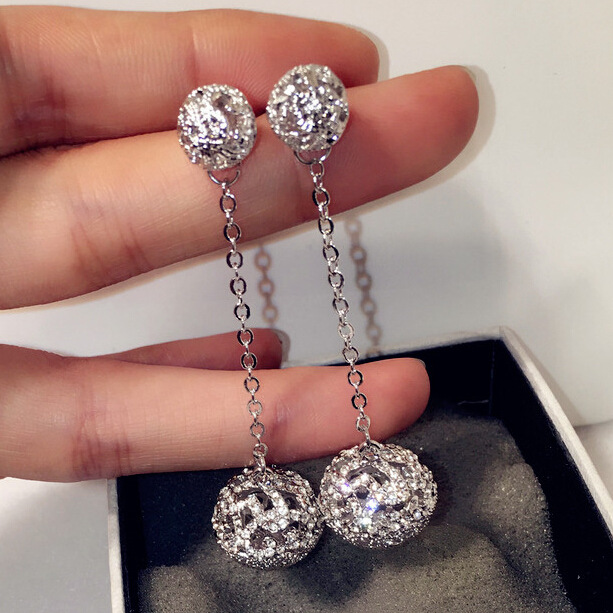 Trend Long Double ball Drop earring Brand Design Silver Crystal Pave Hollow out d'oreilles boule creuse