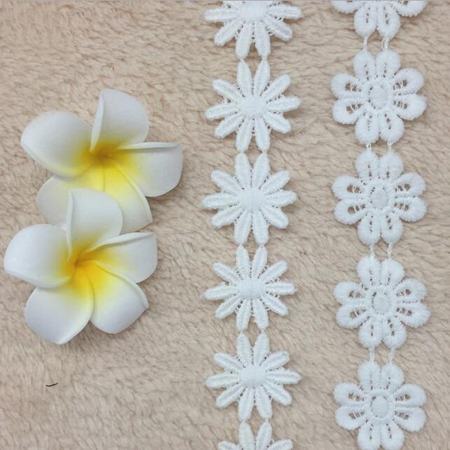 b46427105a 15 yardas Lot blanco soluble en agua Costura Encaje para vestido nupcial  bordado blanco Encaje cinta Appliques floral Encaje parches