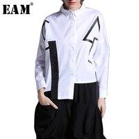 EAM 2018 New Spring Lapel Long Sleeve White Black Irregular Hem Big Size Letter Printed