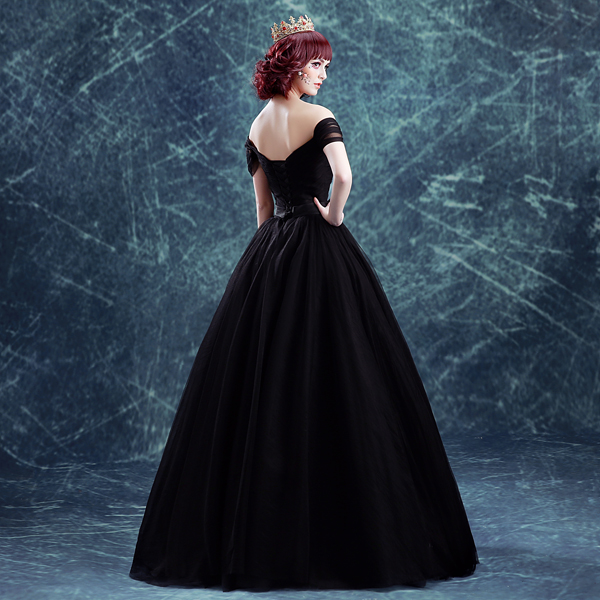 4ed40a0748 plain black veil ball gown bowknot waist long medieval dress sissi princess  Medieval Renaissance Gown Victorian Belle ball-in Holidays Costumes from  Novelty ...