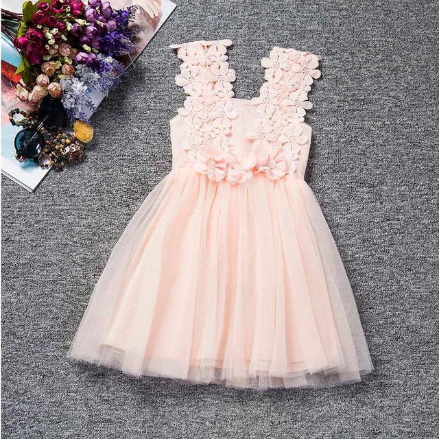 Kleid mit blumen fur hochzeit