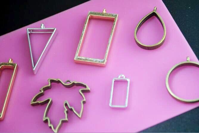 5Pcs Geometric Hollow Pressed Flower Resin Blank Frames Pendants Jewelry Finding Making Handmade Craft Floating Locket Rectangle