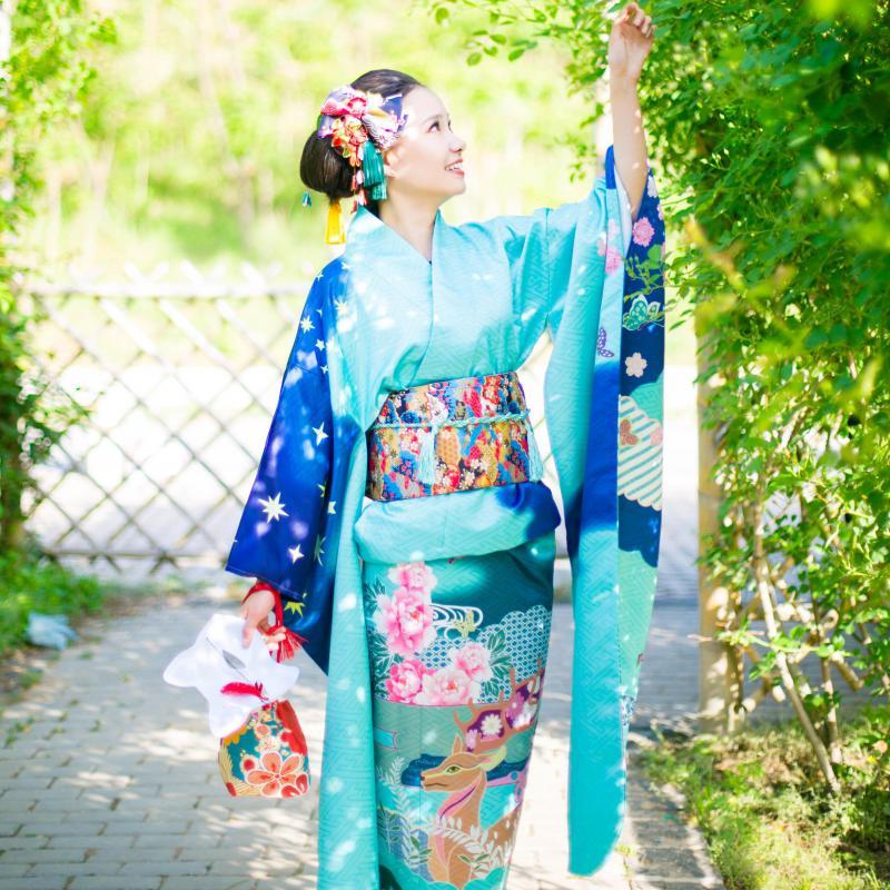 Kimono japonais de haute qualité classique femmes Yukata Robe de soirée Robe de luxe 10 pièces filles Cosplay Costume Robe de soirée