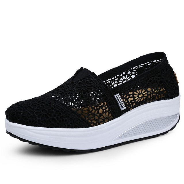 2019 Summer Ladies Platform Shoes Hollow Lace Shallow Flat Shoes Women Black Sneakers Walking Swing Shoes Breathable Fashion