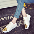 Ouro brilhante Sapatos de Couro de Patente Mulheres Platforma Ocasional 2017 Branco Fundo Grosso Rendas Plana Sapatos Da Moda Pu Mulher Tenis Feminino