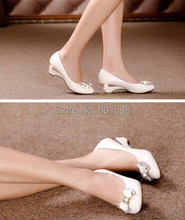 4pairs/lot Best Selling New Arrival Hot Sales Lady Fashion Sexy Shoes Point Toe Diamond Dress Shoes High Heels 2 Colors V033
