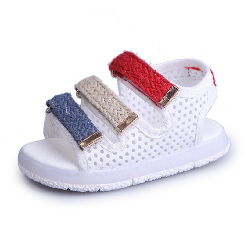 2018 New Fashion Children Sandals Mesh Breathable LED shoes for boys girls Casual kids beach sandals with Light up for 1-6Years