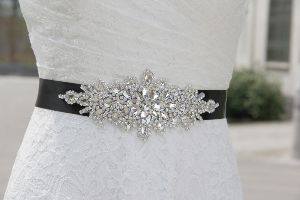 SAINT FORT NIA Wedding Dress Crystal Belt (14)
