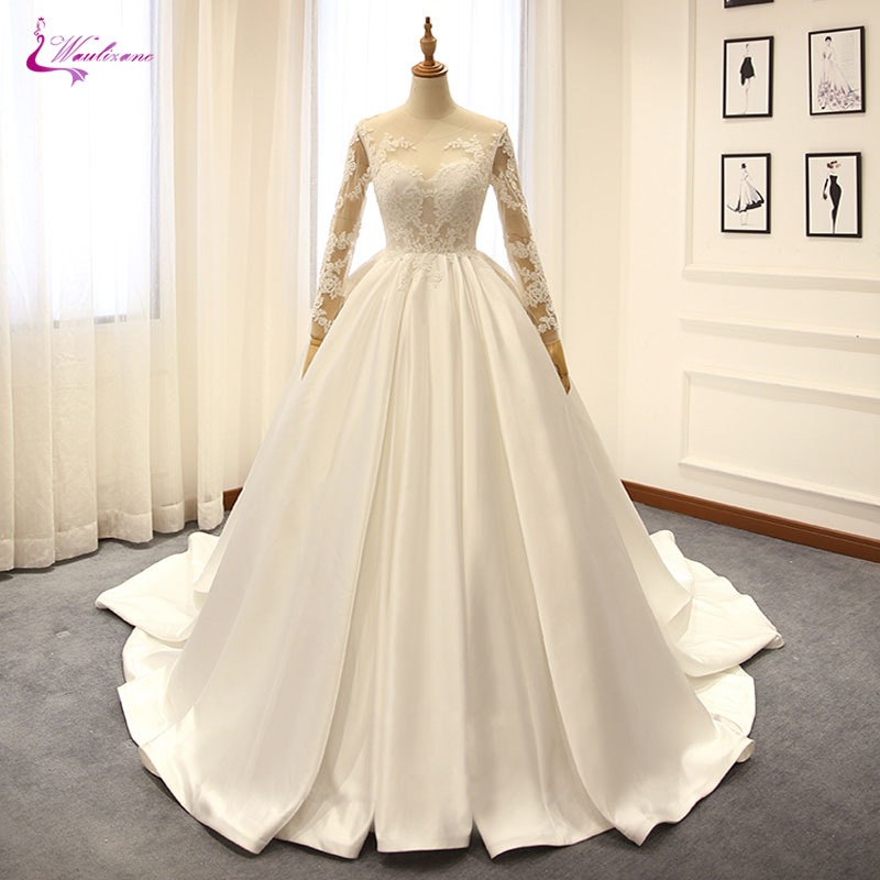 Waulizane Lustrous Satin Long Sleeves Ball Gown Wedding Dress Elegant Style Lace Up Chapel Train Applique Bridal Gowns Plus Size