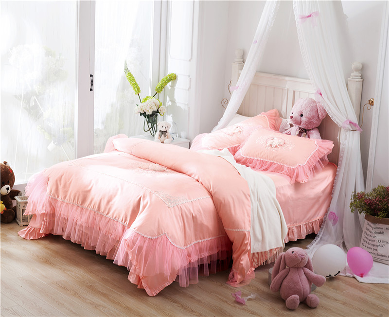 5 Color Designs 2017 Princess Lace Style Bedding Set Embroidery Duvet Cover Bed Sheet Pillowcases Bed Linen King Queen 4pcs