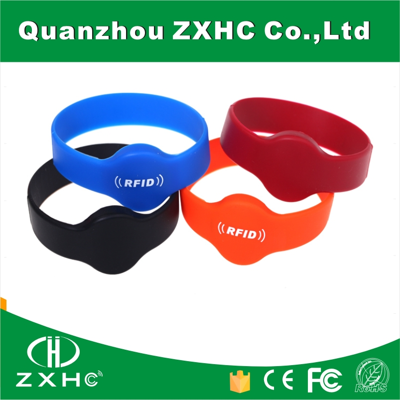 (100PCS) 125 khz RFID Writable EM4305 Black Wristband Bracelet Environment-friendly Silicone For Swimming Pool solar shaking little duck environment friendly ornamentation