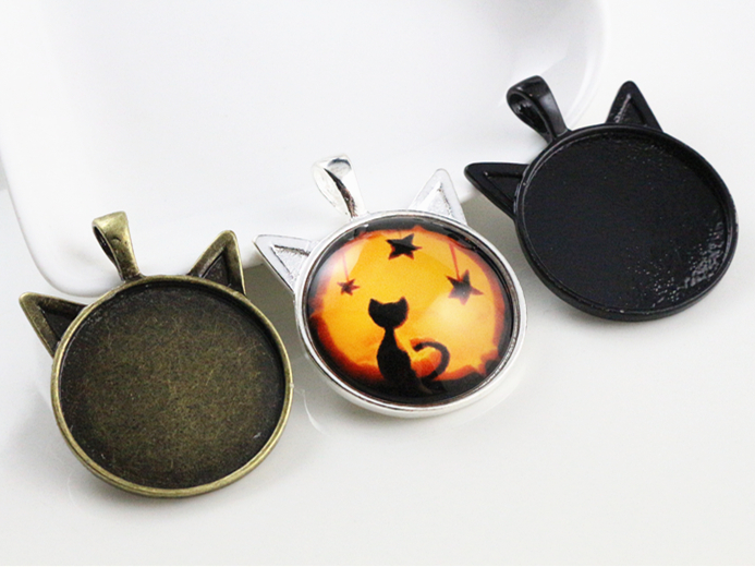 New Fashion 5pcs 25mm Inner Size Black and Bright Silver / Bronze plated Cat Style Cabochon Base Setting Charms Pendant цена