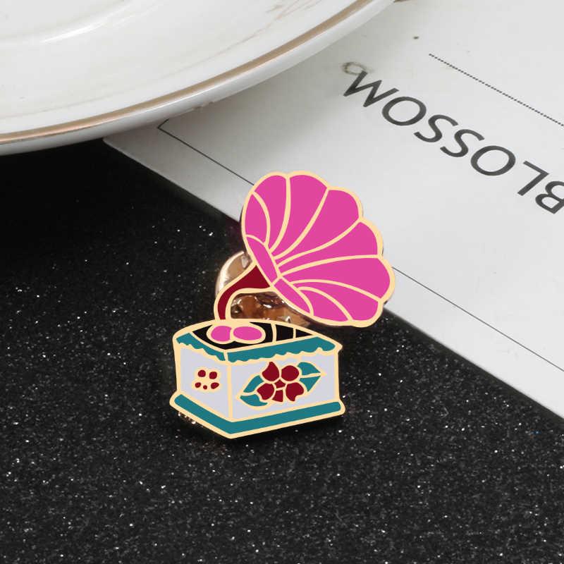 Vintage Pink Phonograph Tai Chi Enamel Susu Bintang OMG Bros untuk Wanita Jaket Kerah Tombol Lencana Pin Fashion Perhiasan hadiah