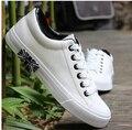 2017 Hombres zapatos de mujer Amante Blanco zapatos de lona Ocasionales de moda plana zapatos scarpe donna enredaderas zapatos de los estudiantes