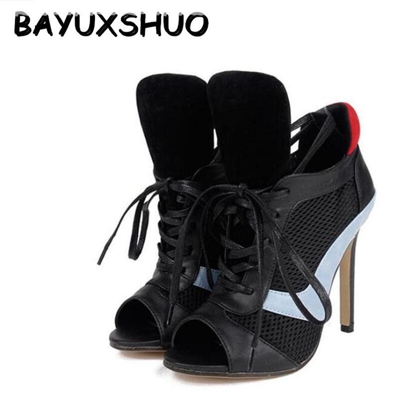 BAYUXSHUO Vogue Punk pëlhure dantella të larta femra me takë të lartë pompa guze Ngjyra të përziera Peep Toe Stiletto Sandale Romake Këpucë Gruaja