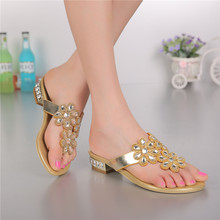 2016 Summer Woman Thick Heel Rhinestones Low-heeled Sandals And Slippers Women Flip-flops Extra Large Size Shoes High Quality