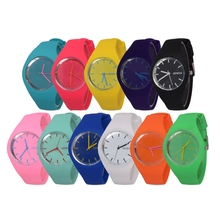 El envío libre 2017 mujeres de La Manera relojes deportivos regalo color de moda Ultra-delgado reloj de silicona Ginebra Reloj de silicona W212