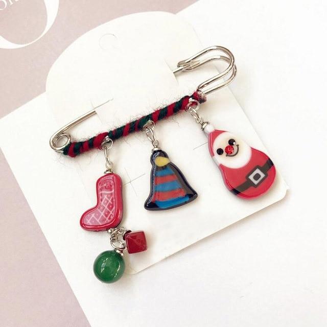 New Christmas Brooch Pin Santa Snowman Badges Jewelery Clothing Corsage Bell Elk Sled Dog Cartoon Fun Winding Brooches