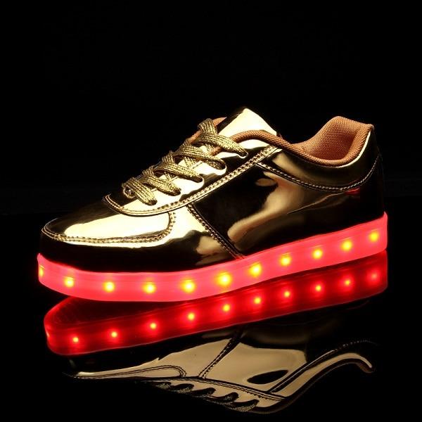 a076acb6bd 2016 Luminoso Zapatillas Niños Zapatillas de Deporte de Carga Luminoso  Iluminado luces LED de Colores Zapatos de Los Niños Niñas Niño Zapatos  Planos ...