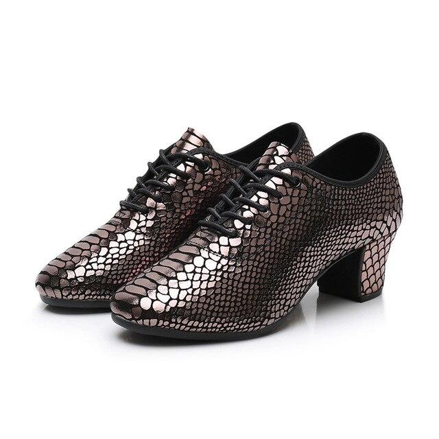 Chaussures de danse latine pour femmes chaussures en cuir de Fitness adulte chaussures de sport de danse carrée danse moderne baskets de marin semelle