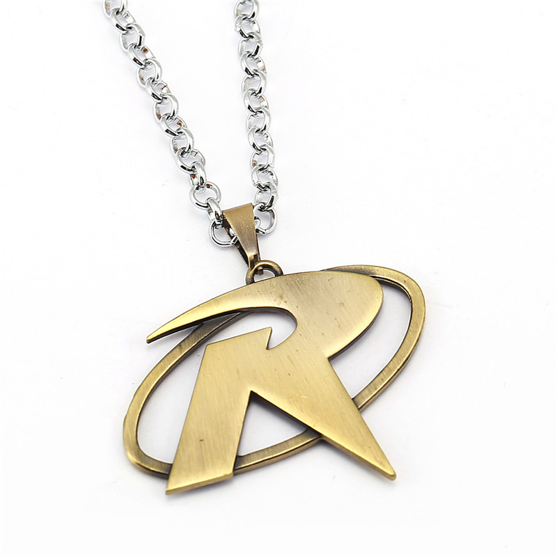 ORP Movie peripheral products accessories jewelry Batman Robin necklace R logo pendant necklace wholesale